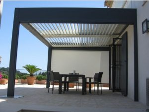 qu est ce qu une pergola bioclimatique. Black Bedroom Furniture Sets. Home Design Ideas